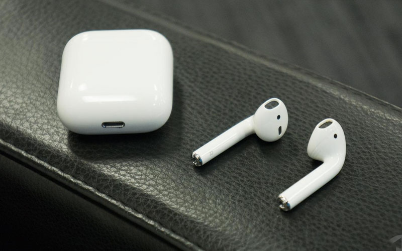 Apple Airpods 2 - Best Wireless iPhone Earbuds