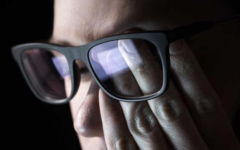 Blue Light Damages Eyesight