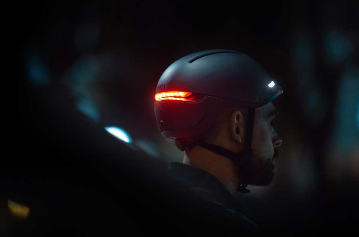 FARO-Smart-Helmet-with-Light-on