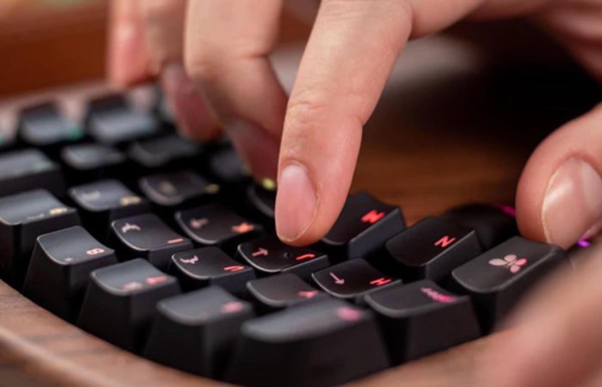 Keyboardio Model 100 Button Press