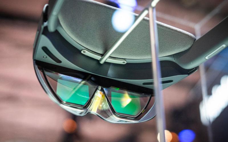 Microsoft HoloLens 2 Design