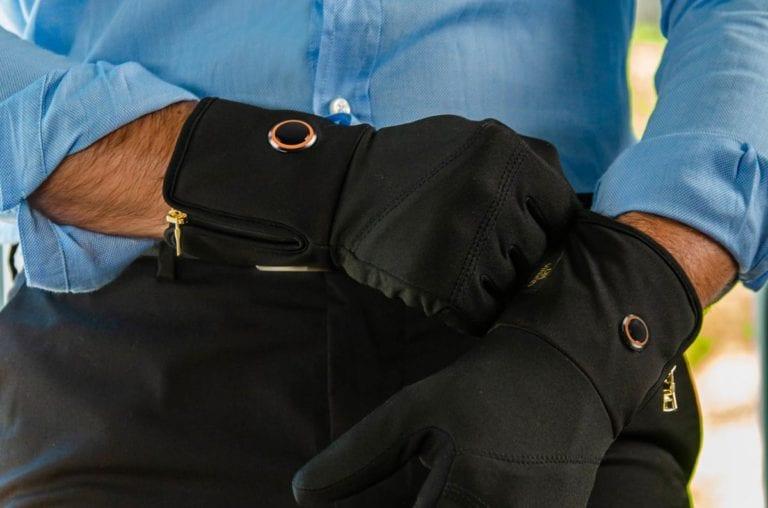 Quanti Vici Smart Heated Gloves & Socks close up