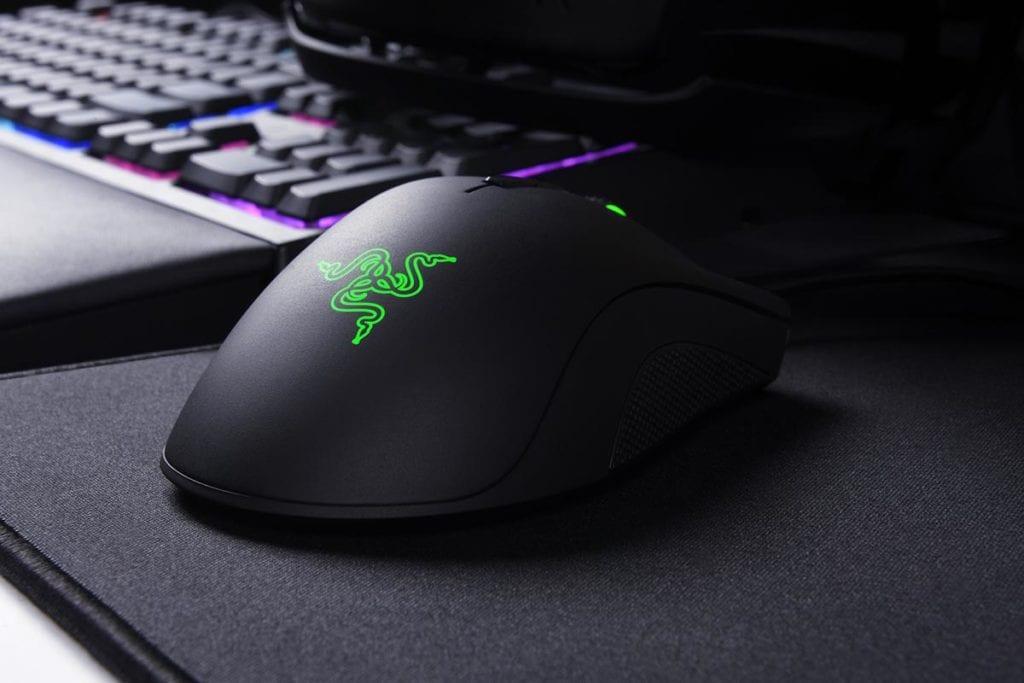 Razer DeathAdder Elite Review - On Mousepad