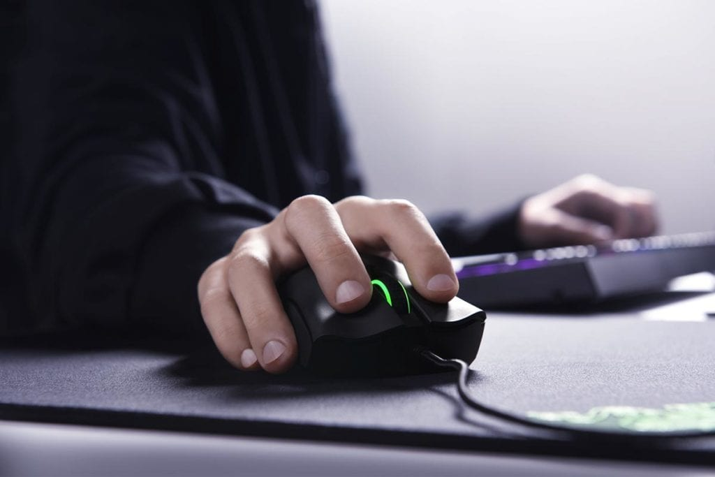 Razer DeathAdder Elite Review - What's it like to use