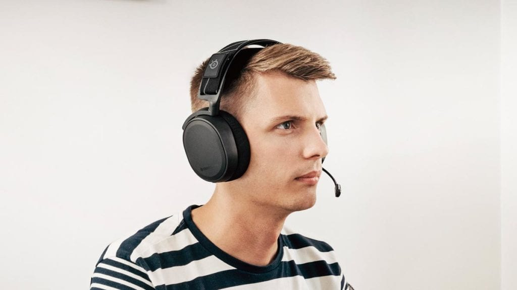 SteelSeries Arctis 7 Being Worn