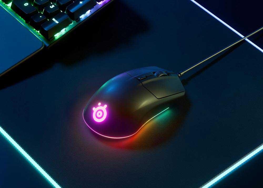Steelseries Rival 3 on Mouse Pad