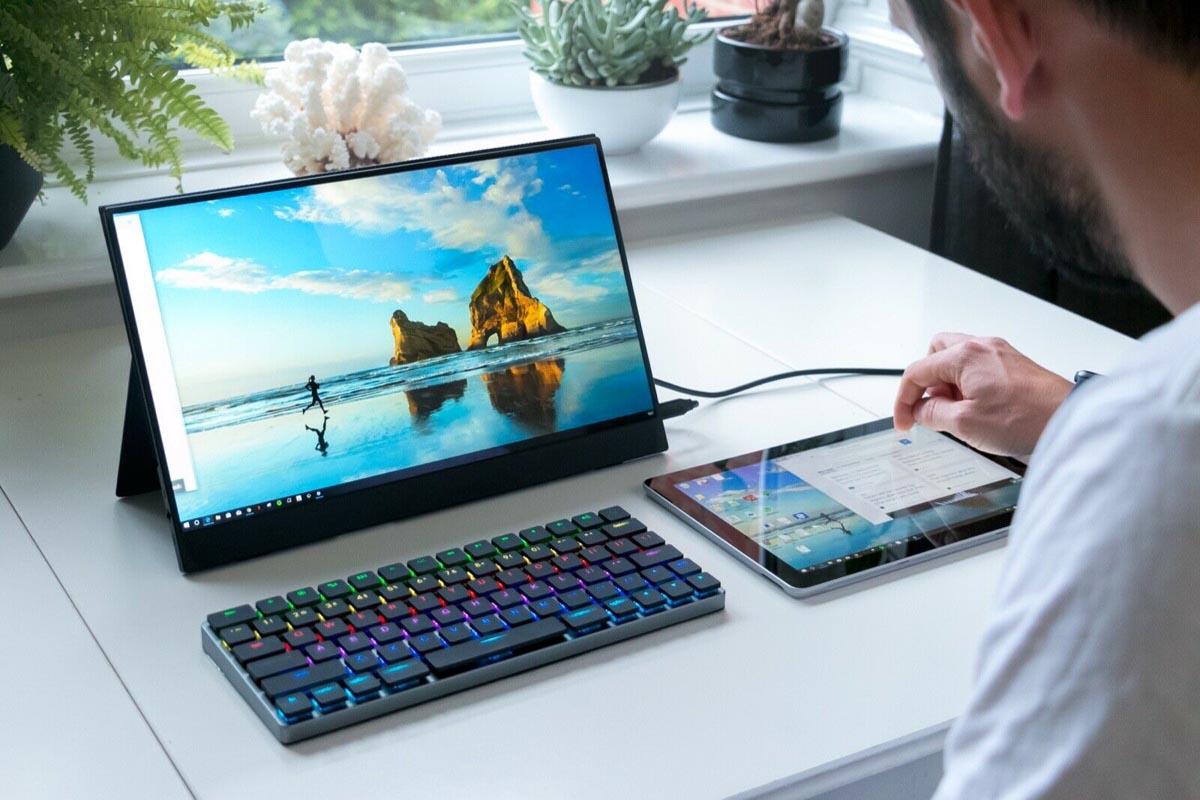 Vinpok Taptek Keyboard On Desk 2
