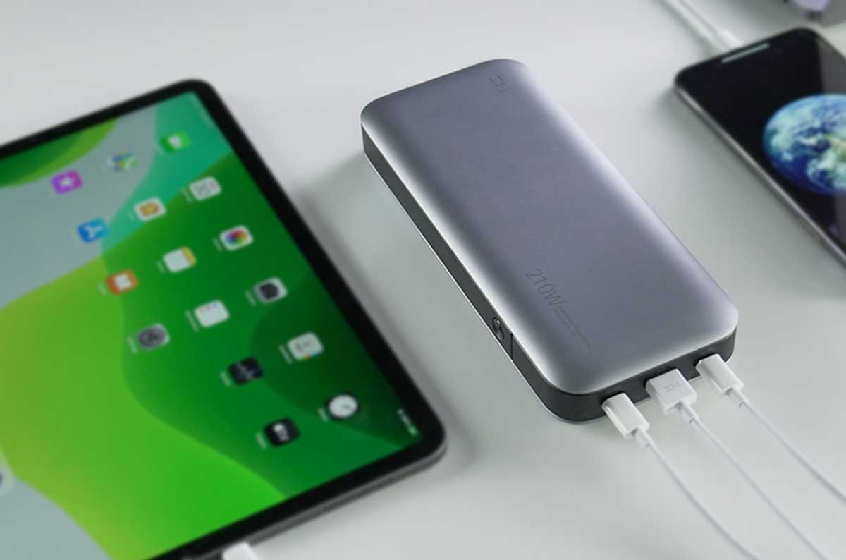 ZMI-No.-20--A-Powerbank-Capable-of-up-to-210W-Fast-Charging2