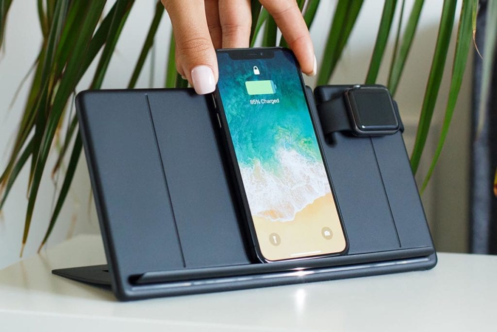 wyrex wireless charger with multiple devices
